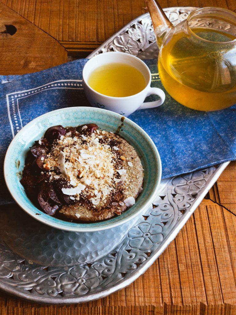 Žitná kaše ze semínkového mléka, horké švestky. Vyzkoušejte recepty na hubnutí Perfec Balance. Vhodné pro program Metabolic Balance