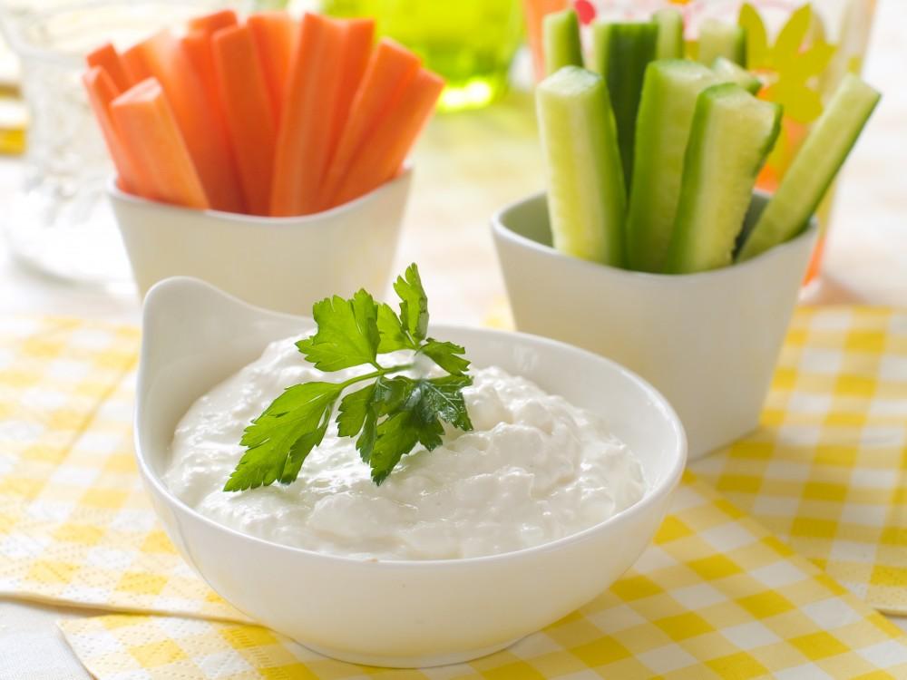 čerstvá zelenina s tavrohovým dipem ala Metabolic balance