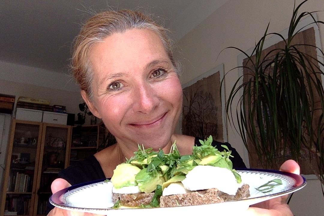 """Váš individuálně nastavený jídelní plán spojí Vaši osobní """"tělesnou chemii"""" s patřičnou """"chemií potravin"""" - v těle tak může nastat nová metabolická rovnováha."""