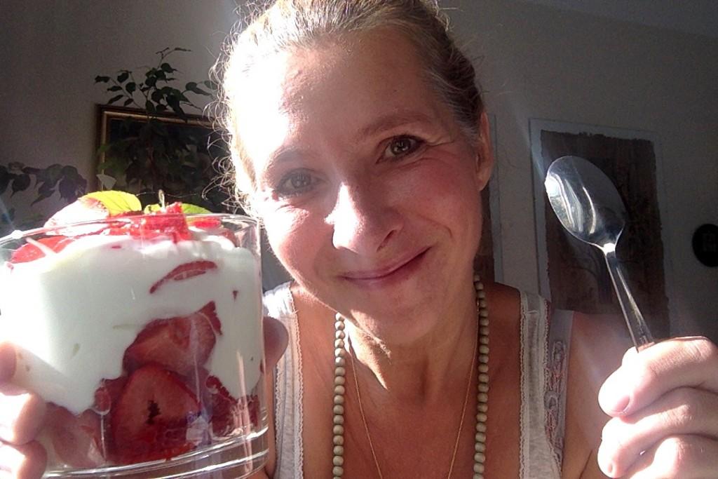 Jedna z možností metabolic balance snídaně - jogurt s jahodami :)
