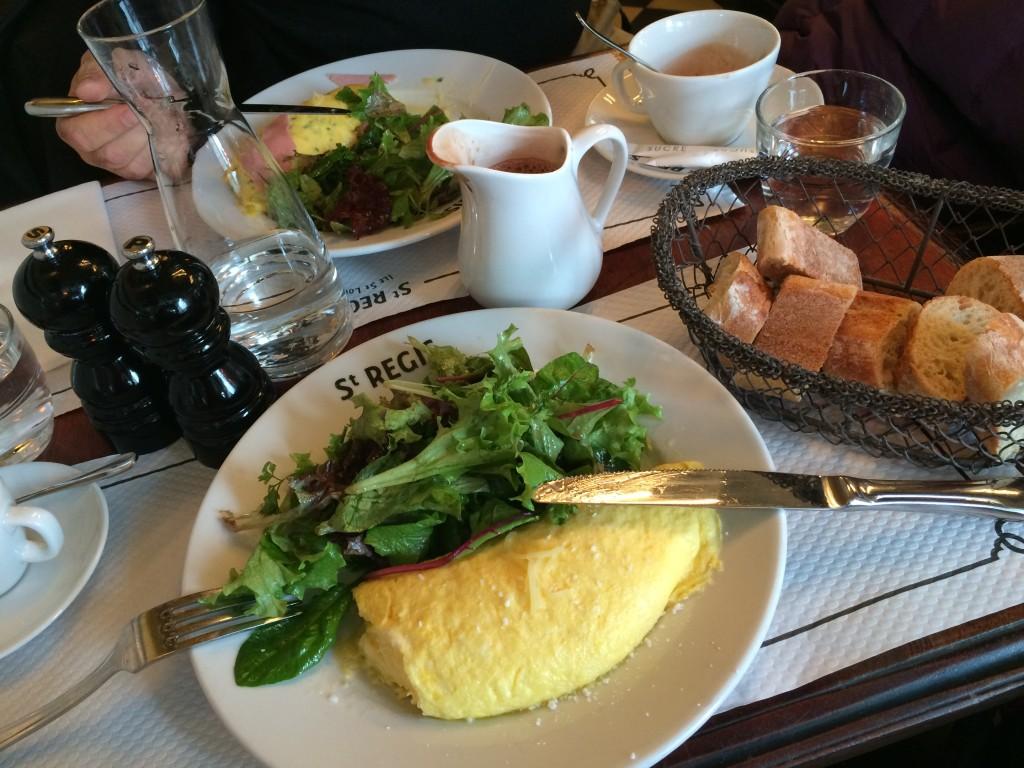 V restauraci vás vždy zachrání vaječná omeleta se salátem podle metabolic balance ...