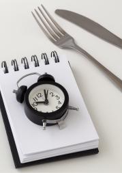 Noční pauza mezi jídly v Metabolic Balance - přerušovaný půst prospívá zdraví