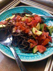 Proteinové těstoviny z černé fazole se zeleninou podle metabolic balance® - recepty na hubnutí, podporu metabolizmu a zdraví