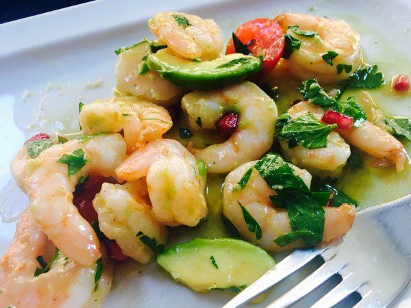 Krevety a avokádo jako salát podle metabolic balance®