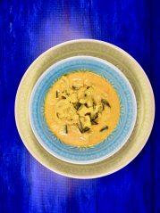 Zeleninové curry (kari) z kozího sýra patří mezi recepty pode principů unikátního stravovacího progamu metabolic balance®. Metabolic balance® je program pro úpravu metabolizmu, zdraví, hubnutí a extra energii