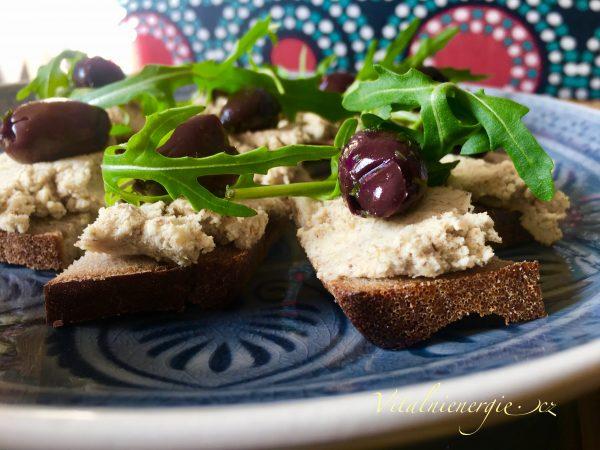 Ořechový sýr z mandelády - snídaně metabolic balance